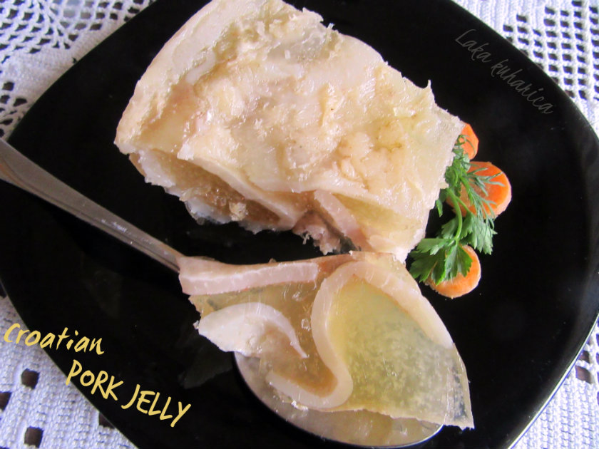 Croatian pork jelly by Laka kuharica: the texture of this pork jelly is bouncy, the flavor is meaty.