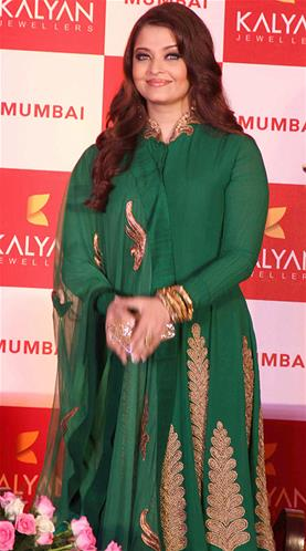 Aishwarya rai come back at kalyan jewellers press conference