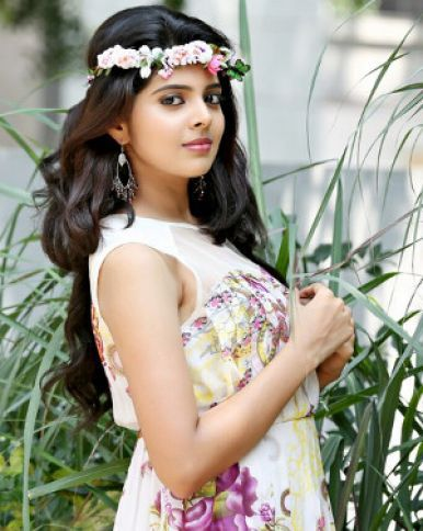 Shravya Tempting Photoshoot Looks Like an Angel