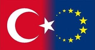 UE-Turquie : l'accord sur les migrants est-il légal ? dans Economie turquie%2Bue%2Bdrapeau