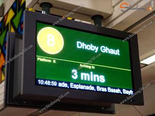 Bảng điện tử hiển thị Platform, tên ga/trạm đến kế tiếp