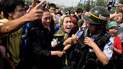 Pemerintah China Perintahkan Muslim Xinjiang Serahkan Al Quran dan Perlengkapan Sholat
