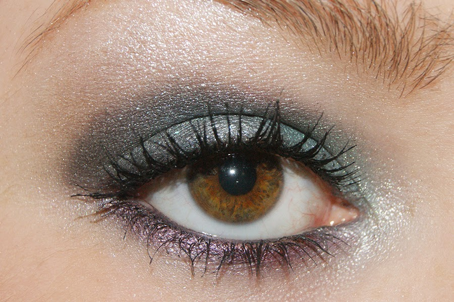 http://www.unlike-girl.com/2015/01/beauty-secret-sparkly-smokey-eyes.html