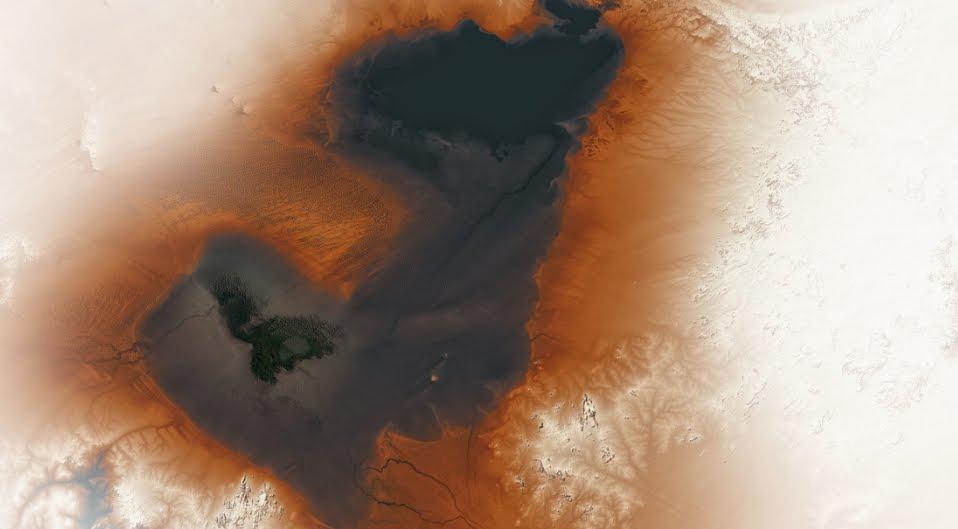 La Foto del Lago più grande del mondo - Foto NASA earthobservatory.nasa.gov.