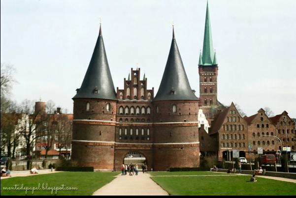 Holstentor en Lübeck, Alemania.
