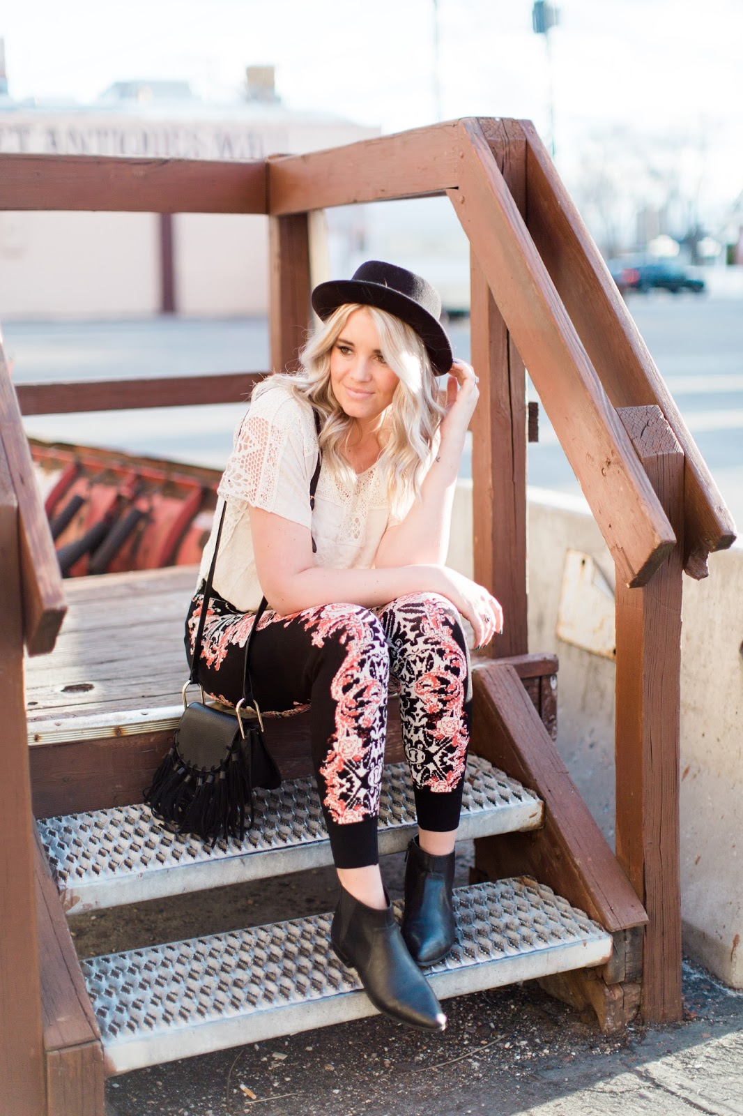 Style Blogger, Utah Fashion Blogger, Floral Printed Joggers