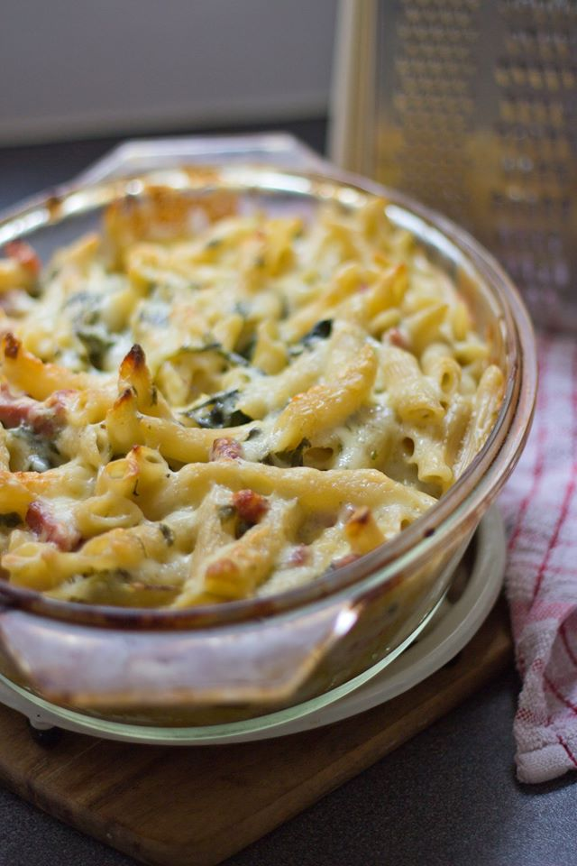 food, blog, blogger, uk, lifestyle, mum, mom, mama, mummy, recipe, dinner, ideas, cheap, simple, easy, pasta, mac n, cheese, spinach, bacon
