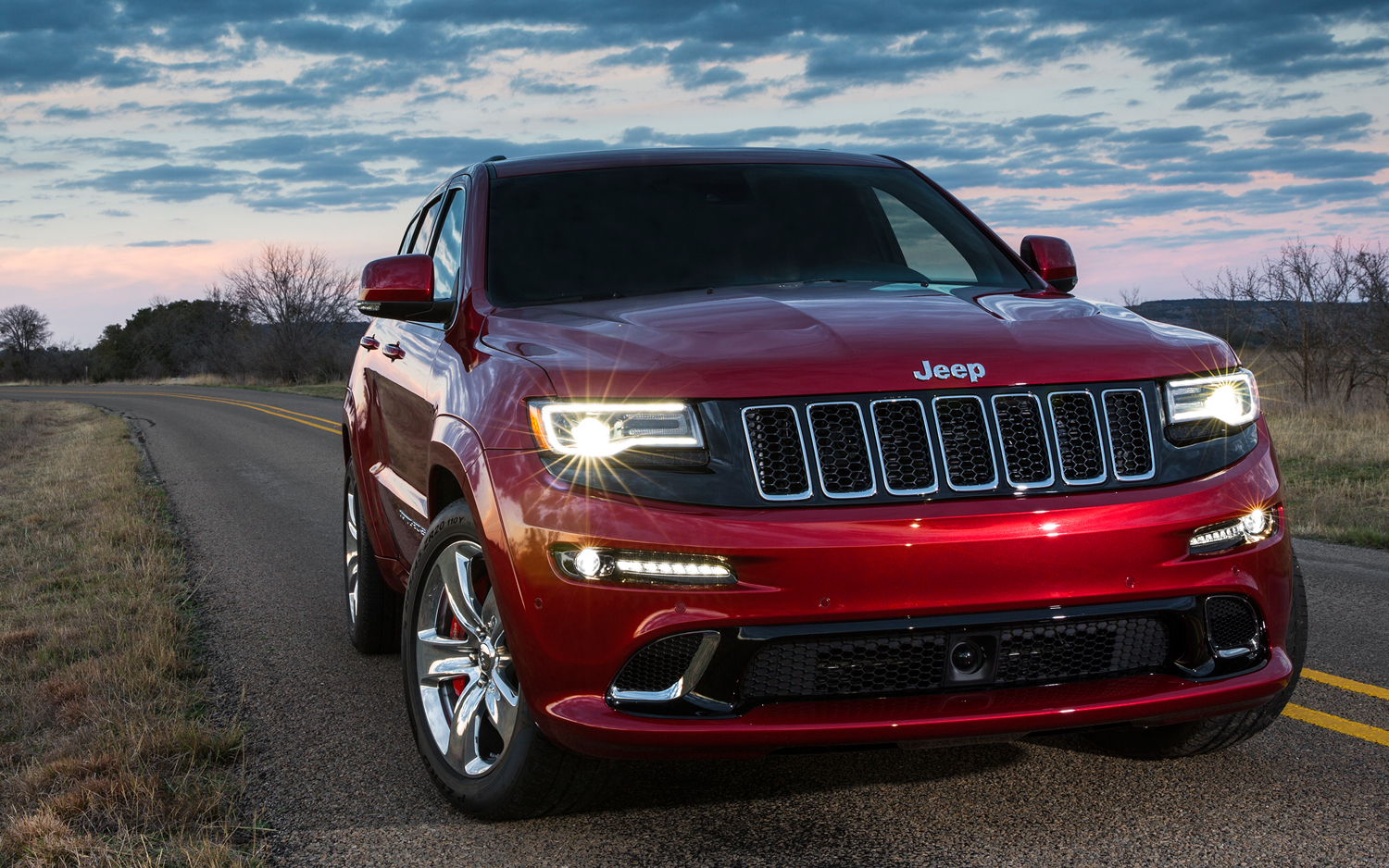 2014 jeep grand cherokee srt track drive new cars reviews. Black Bedroom Furniture Sets. Home Design Ideas
