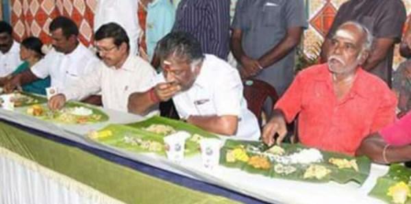 பொதுமக்களுடன் உணவருந்திய முதலமைச்சர் பன்னீர்செல்வம்
