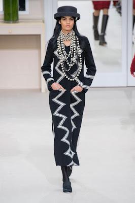 Fashion Week prêt à porter automne hiver 2016 look chanel