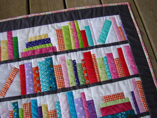 Bookends Mini library bookshelf books quilt
