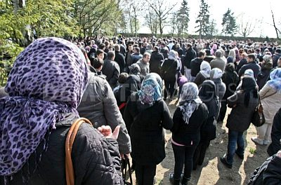 Neukölln: Muslim women mourners