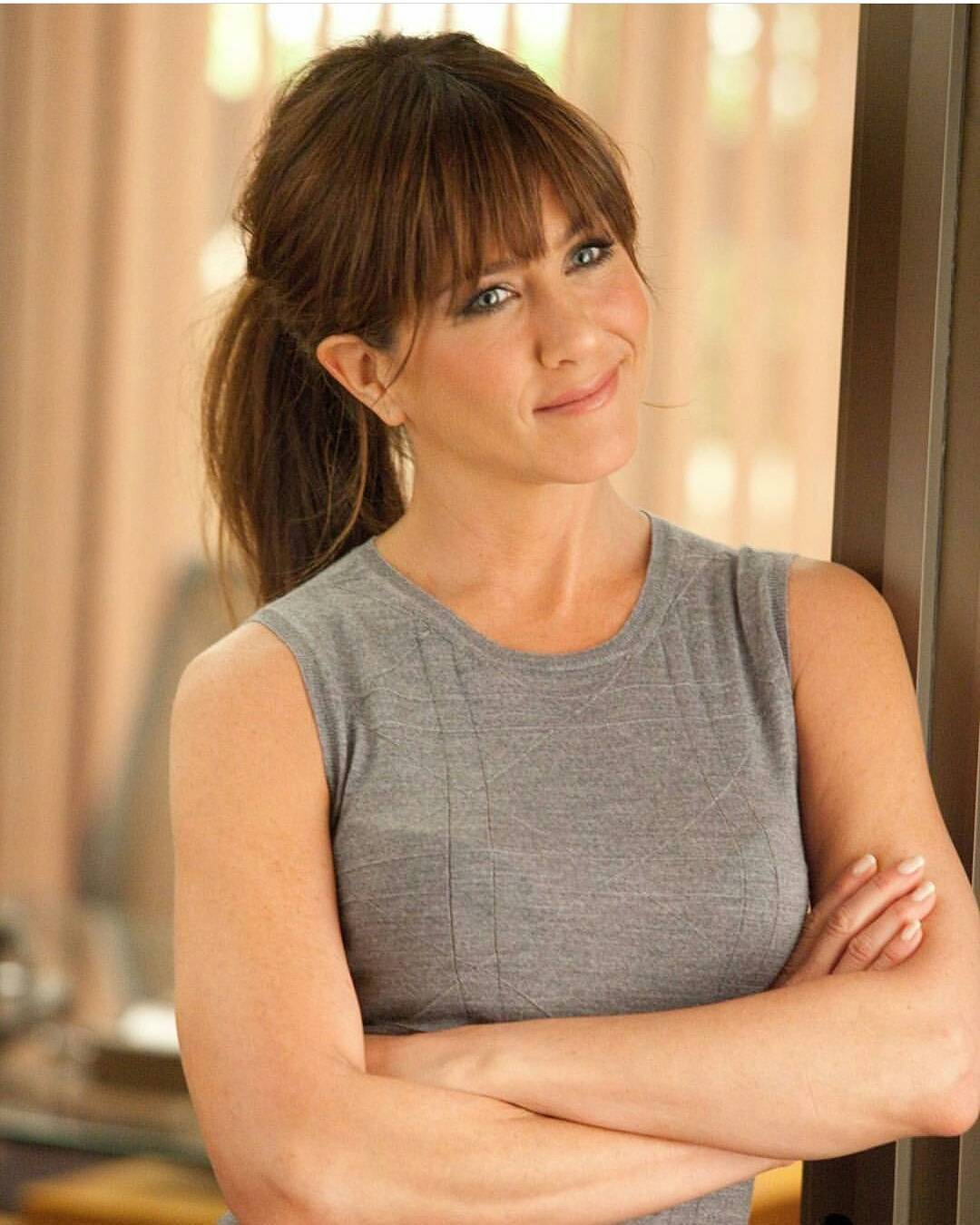 Jennifer Aniston Pics | Jennifer Aniston Photos - HD Actress Photo