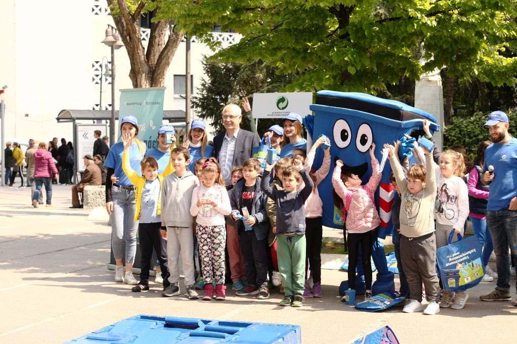 """Στη δράση """"Σχολείο Ανοικτό στην Κοινωνία"""" ο δήμαρχος Λαρισαίων Απ. Καλογιάννης"""