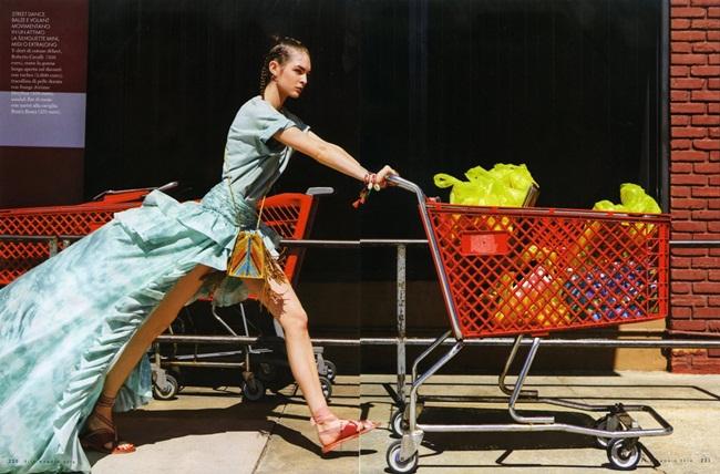 Roberto Cavalli涼感水色高低裙 撞衫