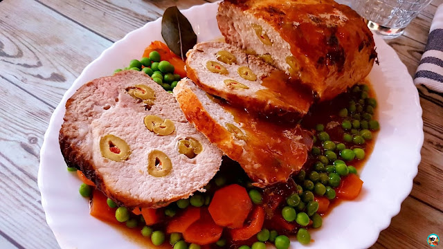 Lomo de cerdo mechado con aceitunas