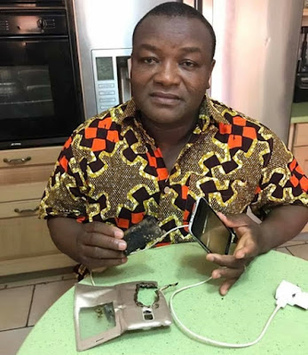 Don't Use Your Phone While Charging... this man's phone got burnt as he answered a call