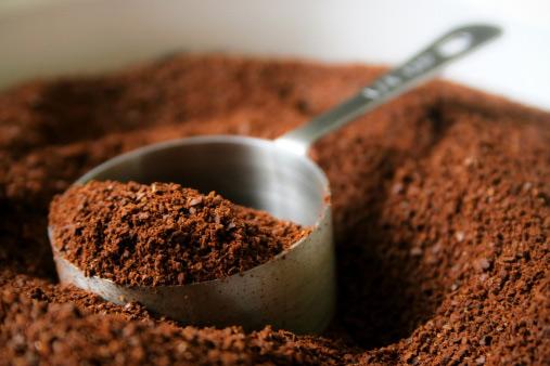 πίλινγκ κυτταρίτιδας με καφέ