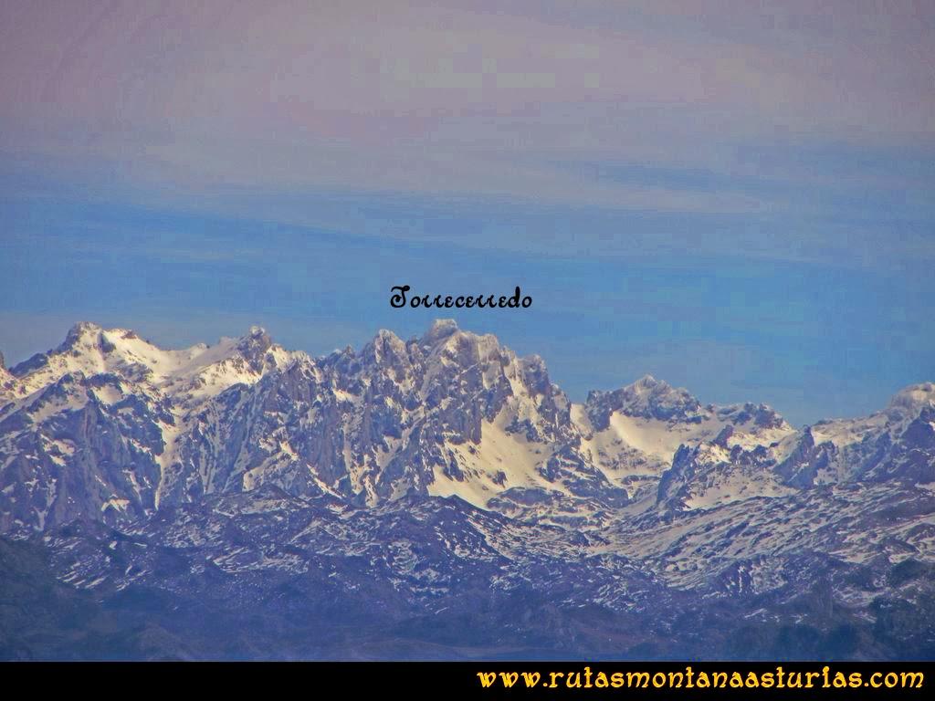 Ruta Montaña Pienzu: Vista del Torrecerredo