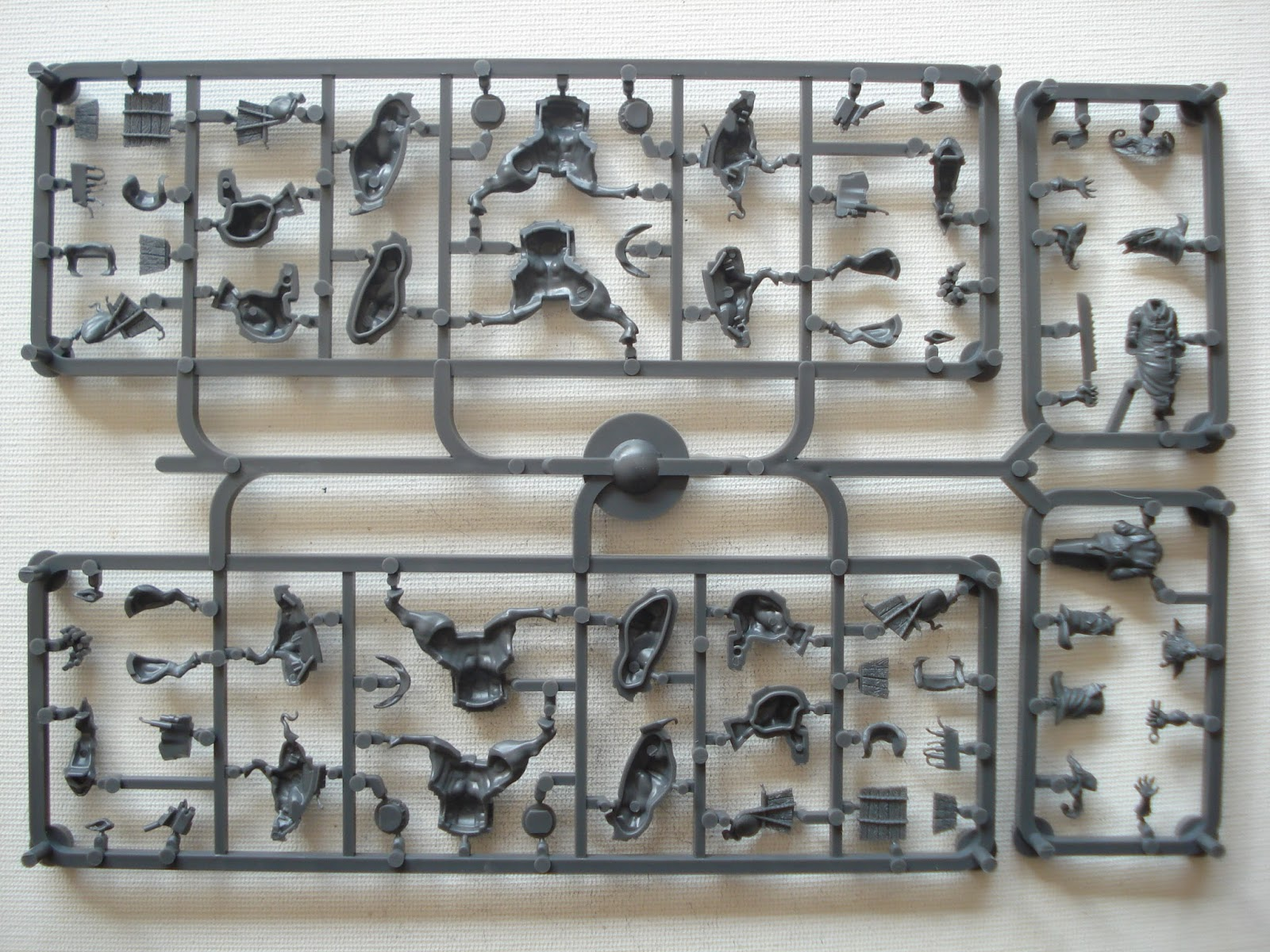 Gmorts chaotica unboxing malifaux creative taxidermy d some close ups of the individual sprue sub assemblies colourmoves
