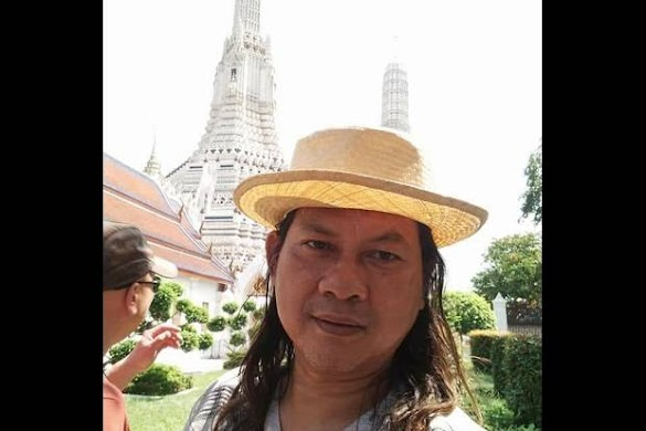 Novelis Gol A Gong Protes Salam 'Libas' Ngabalin dkk