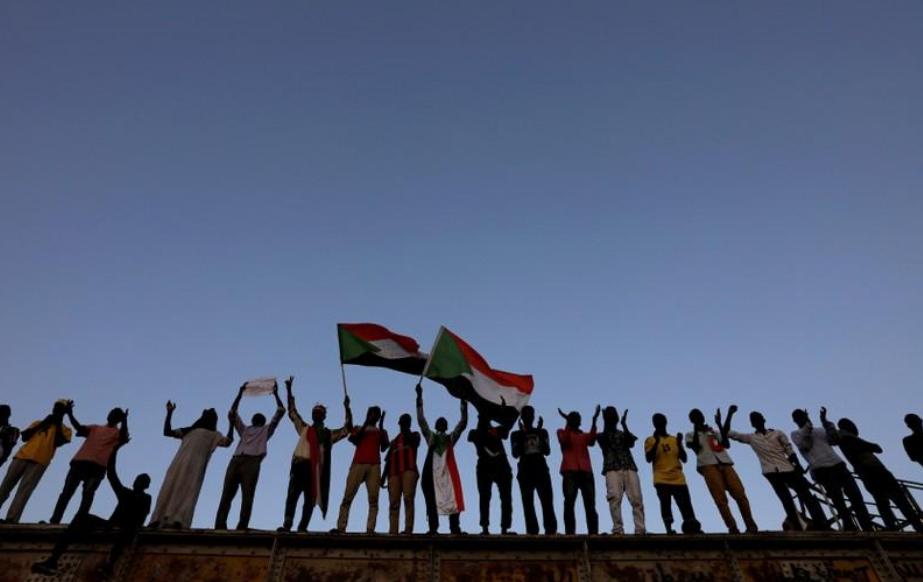 التلفزيون السوداني: مقتل ضابط و3 محتجين وإصابة عدد كبير من المحتجين في الخرطوم