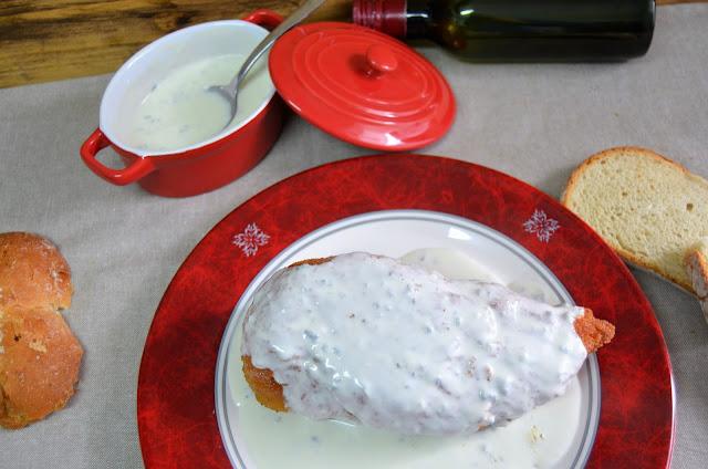 pechugas rellenas en salsa de queso gorgonzola, pechugas rellenas, pechugas rellenas al horno, pechugas rellenas en salsa, pechugas rellenas jamón y queso, pechugas rellenas de queso, recetas,