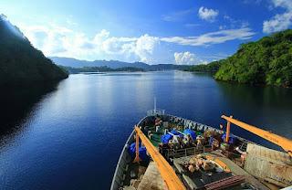 Teluk Banda, Kepulauan Banda, Maluku