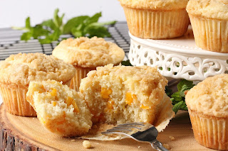 Peach Cream Cheese Muffins with Streusel