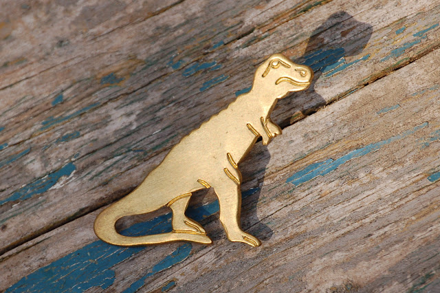https://www.etsy.com/listing/202267138/dinosaur-brooch-brass-tie-pin?ref=shop_home_active_10&ga_search_query=tie%2Bpin