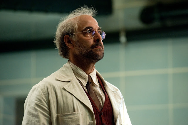 Stanley Tucci als Dr. Abraham Erskine.