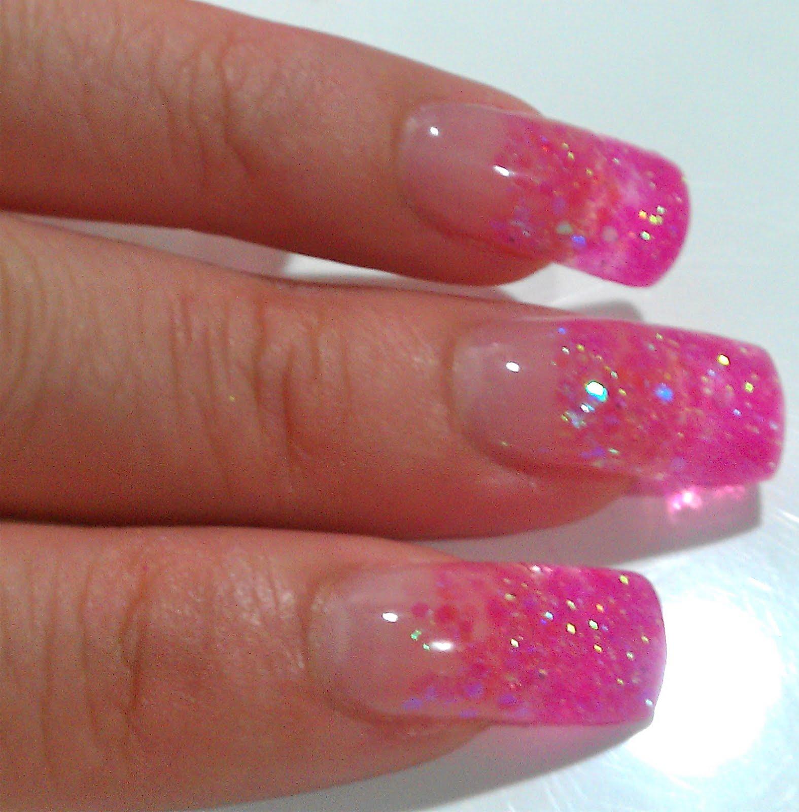 The Clover Beauty Inn: NOTD: Pink Glitter Gel Nails