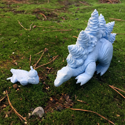 "Unpainted ""Baby Blue"" Stegoforest Vinyl Figure by Ghost&Flower"