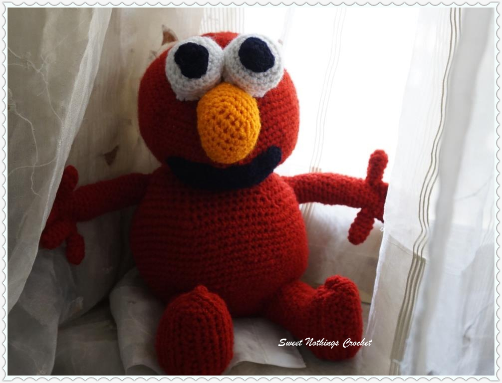 Elmo Hat Crochet Pattern (Plus Eyelash Yarn Guide!) - Ami Amour | 768x1006