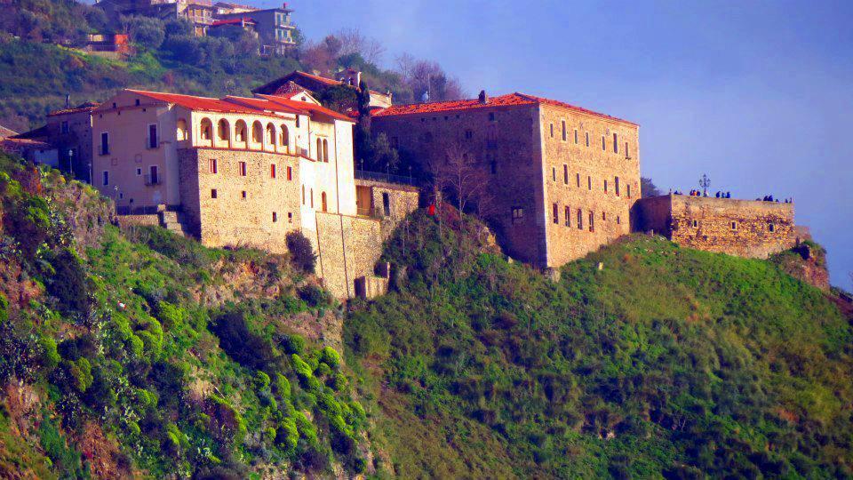 Storia di Scandale: Paesi di Calabria - Fiumefreddo Bruzio