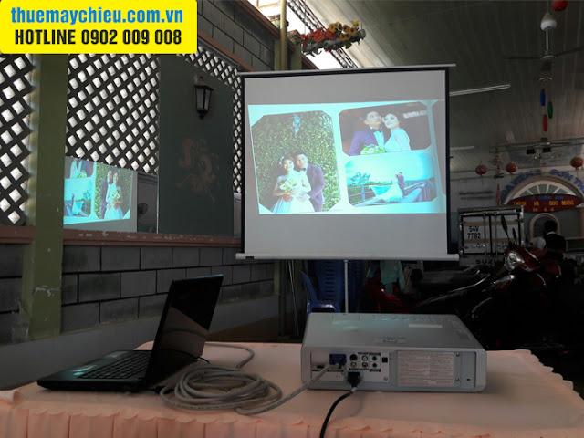 VNPC cho thuê máy chiếu phát video album hình cưới