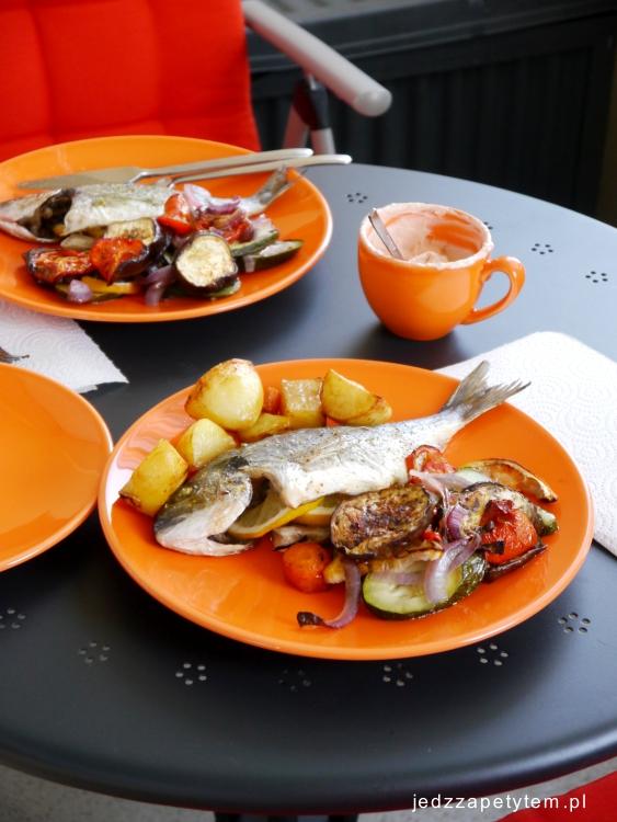 kartofle z ryba i warzywami