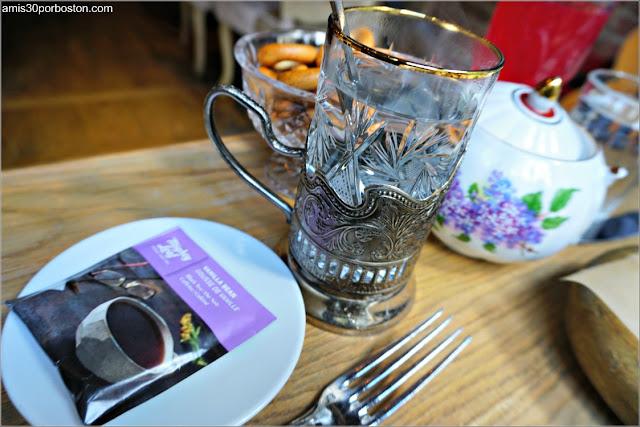 Servicio de Té del Restaurante Ruso Mari Vanna en Nueva York