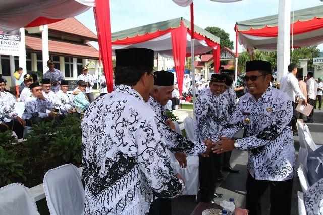Peringatan Hari Guru di Aceh Tengah Berlangsung Semarak