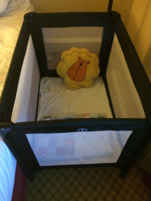 travel cot Marriot hotel
