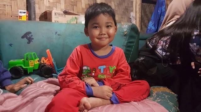 Semangat Disunat, Bocah yang Sahur Nasi Garam Beda dari Anak Kecil Lain, Bisa Baca meski Tak Sekolah