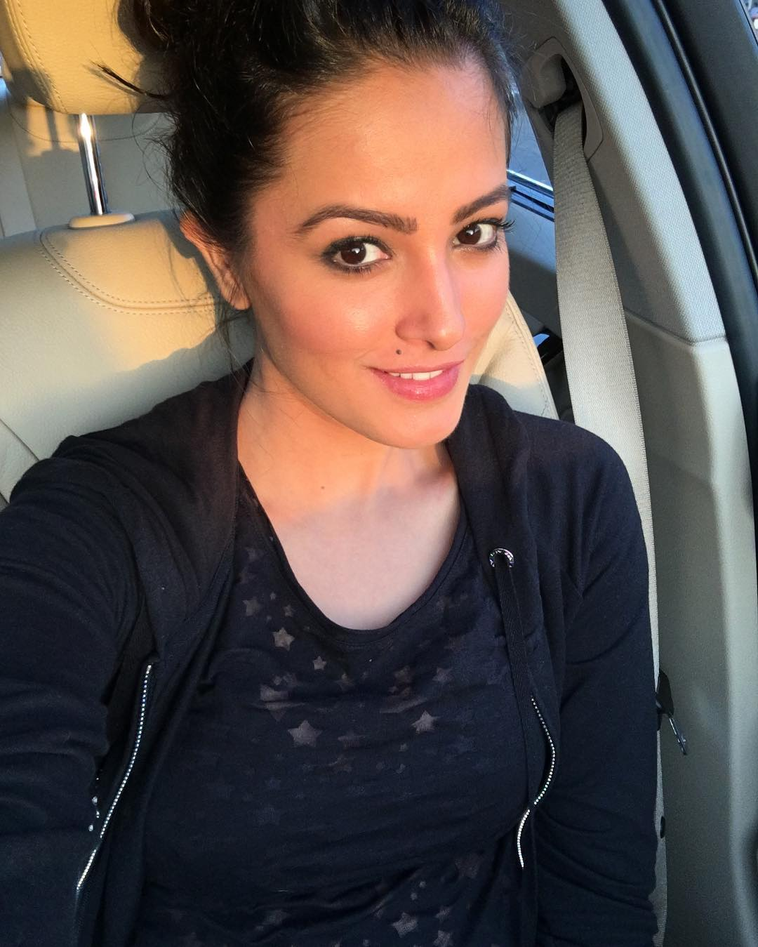 pictures of anita hassanandani