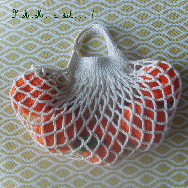 """http://www.ravelry.com/dls/sam-a-dit-design-crochet-for-children-by-rachel-foulon/393397?filename=S.A.M._a_dit..._un_filet_a_provision_.pdf"""">download now</a"""