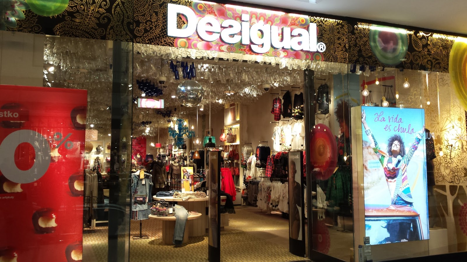 hiszpańska marka Desigual, sklepy Desigual w Polsce, hiszpańska moda, oryginalne ubrania i akcesoria