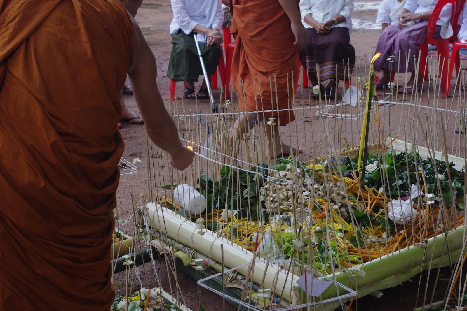 タイの人びと、タイの街角涙の連鎖 〜ピーターコーン祭のサムハ儀礼〜