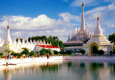 Maha Muni BuddhistTemple and Pagoda in Mandalay