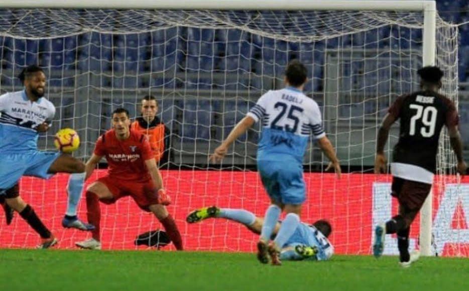 Correa regala al 94' un punto prezioso alla Lazio: 1-1 all'Olimpico contro il Milan.