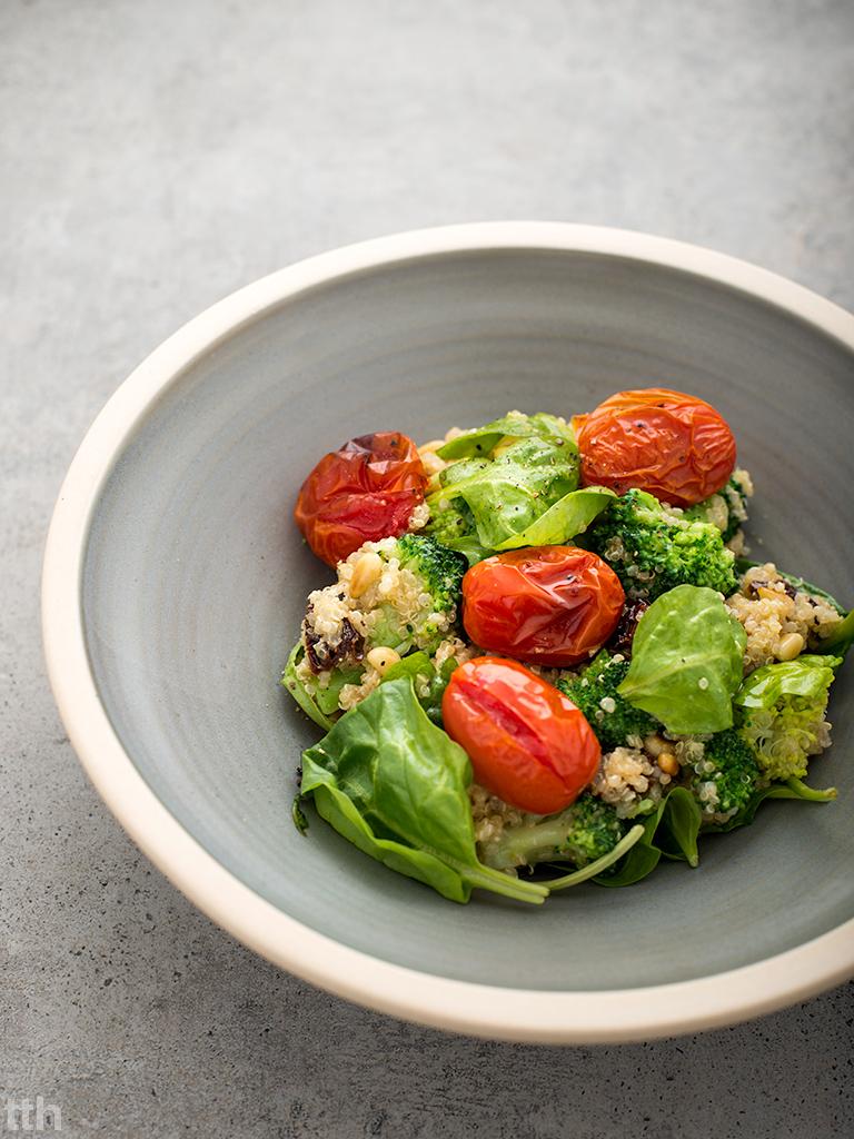 Komosa ryżowa z brokułami wegańska bezglutenowa sałatka blog roślinny