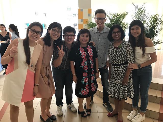 the alumni and Mrs Ng and Mrs Menon