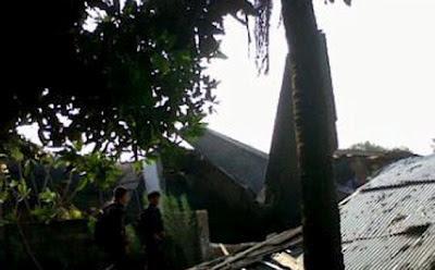 Gambar Kecelakaan Pesawat Fokker 27 Jatuh
